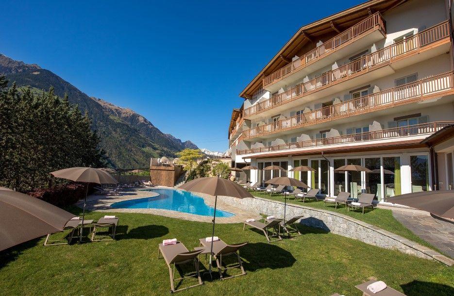Hotel Ifinger In Schenna Sudtirol 4 Sterne Hotel