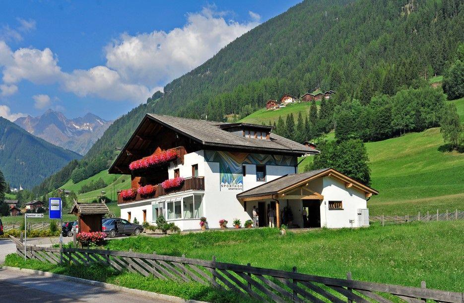 Residence sporthof in st nikolaus ulten s dtirol 3 for Designhotel ultental